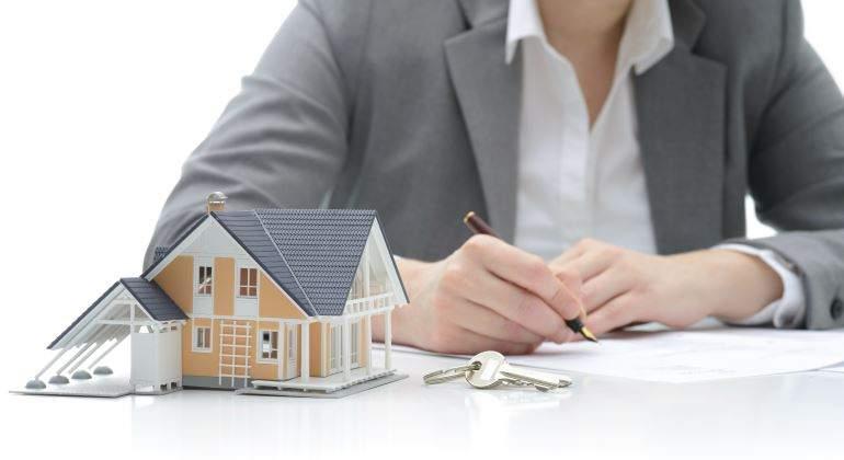 La firma de hipotecas sobre viviendas modera su avance al 8,2% en octubre